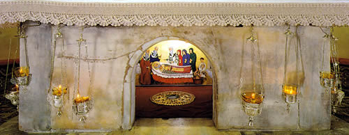 St Nichola's tomb at Bari (http://www.stnicholascenter.org/pages/relics/)