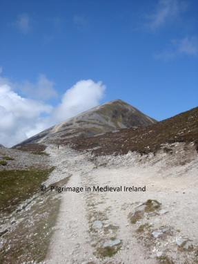 Pl. 9 The Casán Phádgaig as it approaches the summit of Croagh Patrick (13)