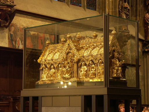 Marienschrein (1238)/The shrine of Mary, contains the relics , shift of lessed Virgin, the swaddling-clothes of the Infant Jesus, the loin-cloth worn by Christ on the Cross, and the cloth on which lay the head (image taken from http://en.wikipedia.org/wiki/File:Aachen_cathedral_007.JPG)