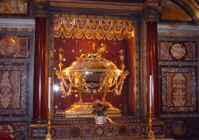 Relic of the Holy Manger (Image taken www.stuardtclarkesrome.com)
