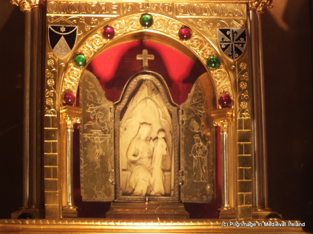 4.1A Our Lady of Graces encased in a silver shrine