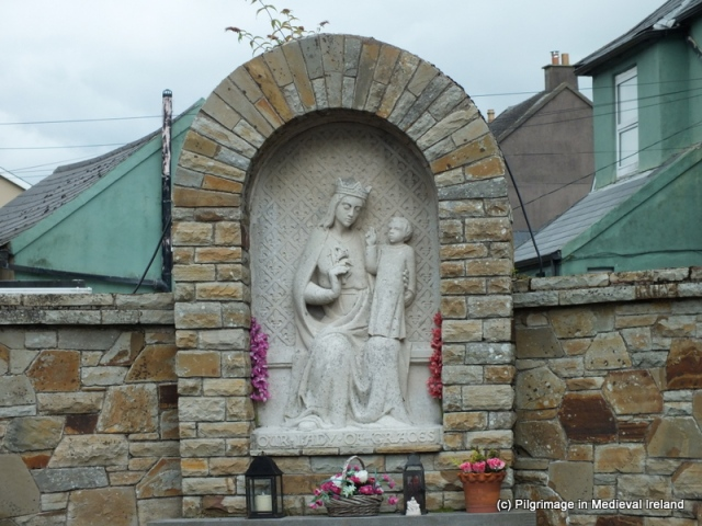 4.1B Seamus Murphy's statue in Yougal inspired by Our Lady of Graces