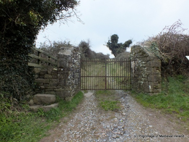 Gate at track leading to the summit of Ardpatrick
